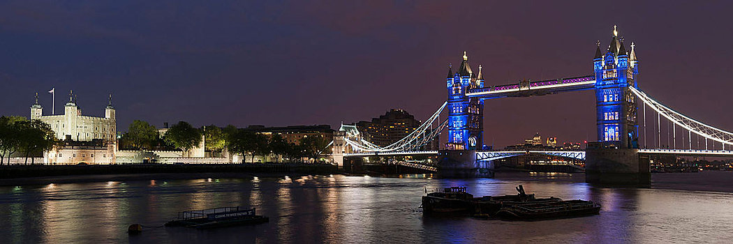 Tower-Bridge-and-Tower-of-London-3.jpg