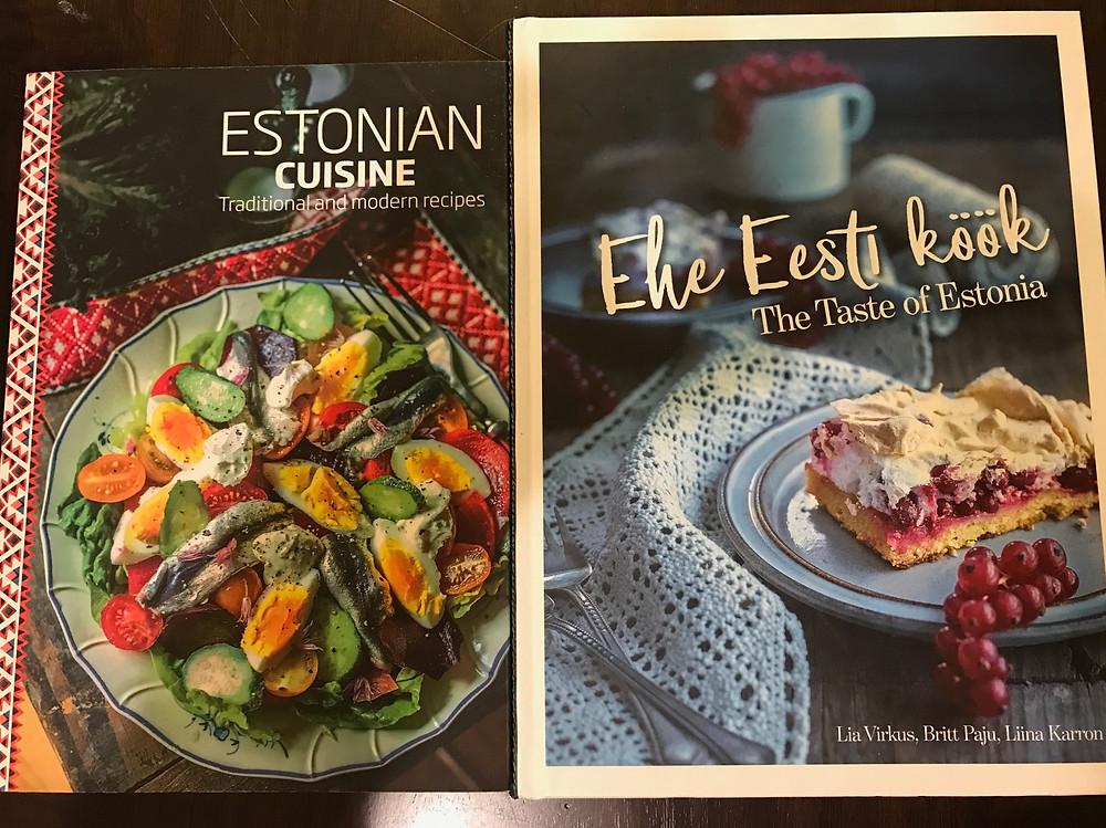エストニア料理本2冊。エストニアはお皿や盛り付けも可愛く洒落た感じ。
