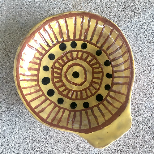 Shell Dipping Bowls - terracotta decorated 12 W cm x 4 H cm