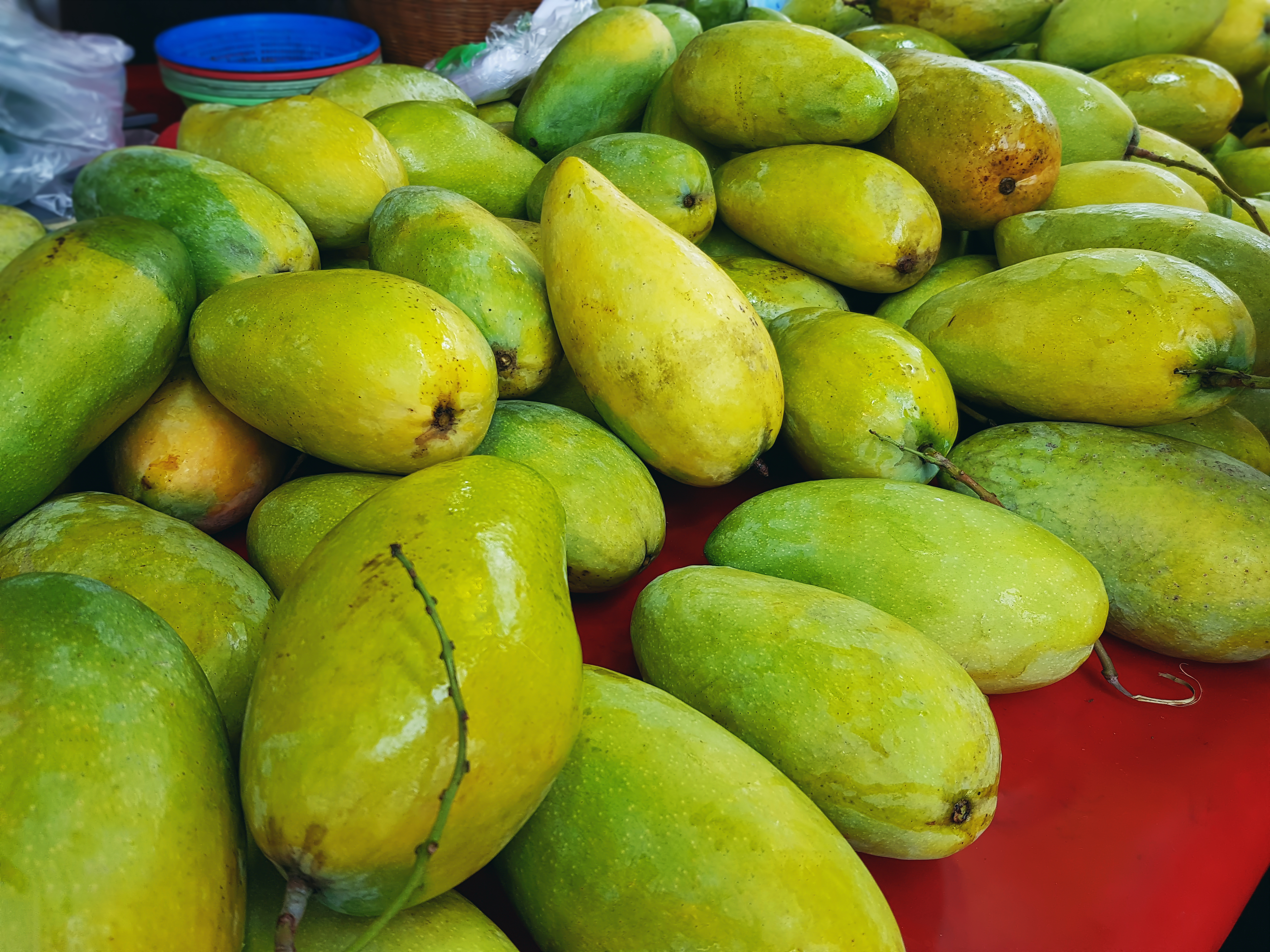 green_and_yellow_fruits_lot-scopio-27f98