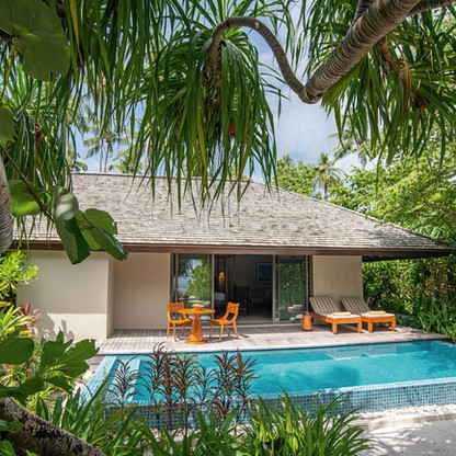 residence-maldives-dhigurah-Deluxe-Beach
