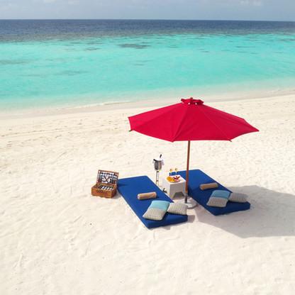 picnic-beach-1.jpg