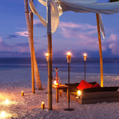 CE-Maldives-Dhigurah_Dining-by-the-Beach