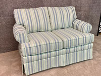 England Furnitue Love Seat Lateral Seamist