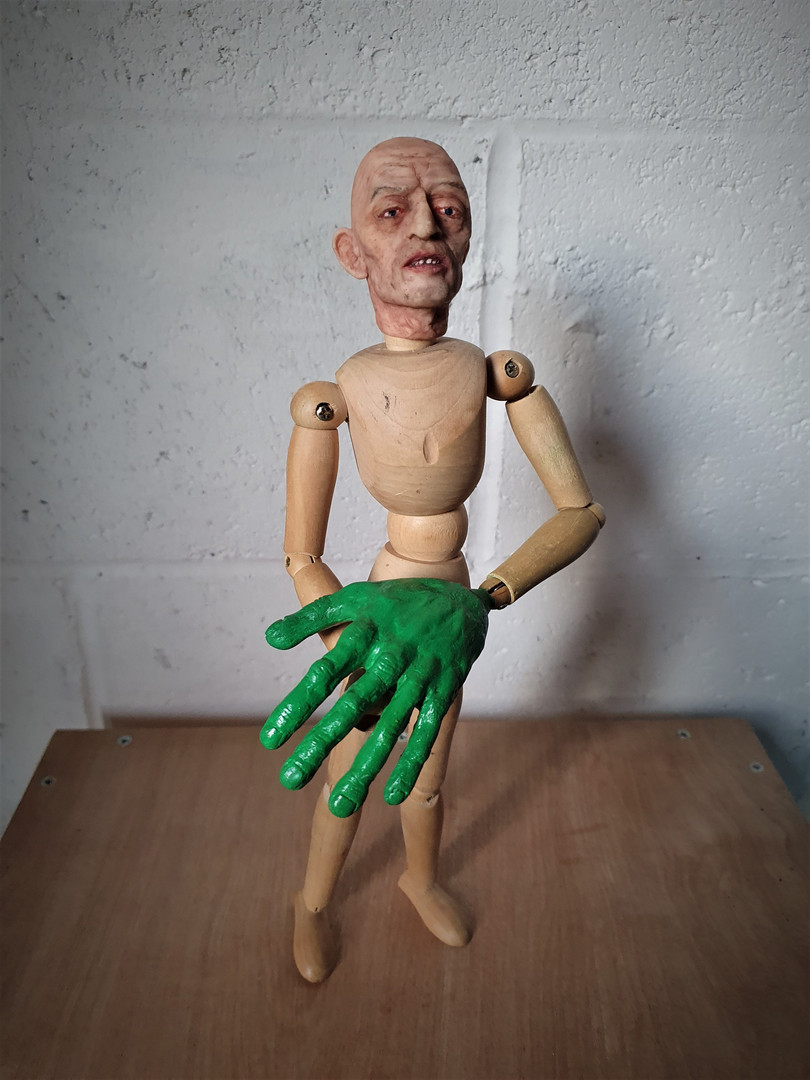 Hand model Polymer clay, paint, artist's mannequin 2020