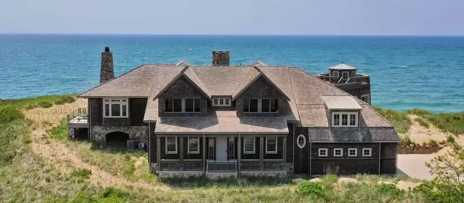 TOP 5 NEWLY LISTED LUXURY HOMES IN BARNSTABLE COUNTY