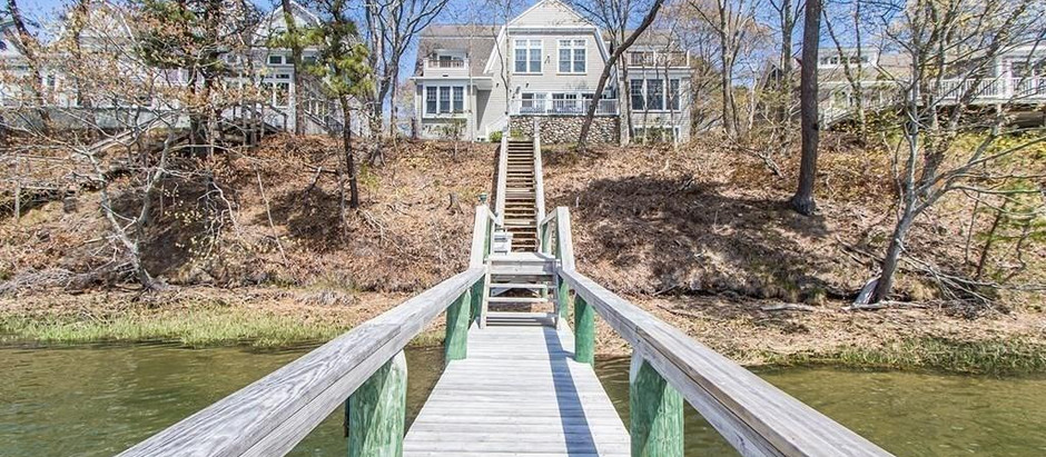 TOP 5 LISTINGS FEATURING A DOCK