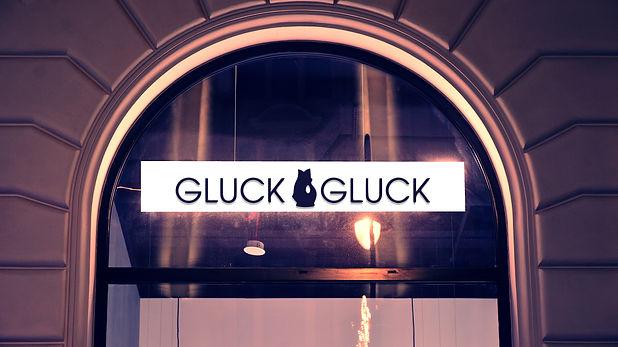 Gluck_Gluckigluck_outside.jpg