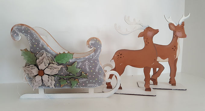 Large Reindeer and Sleigh Set