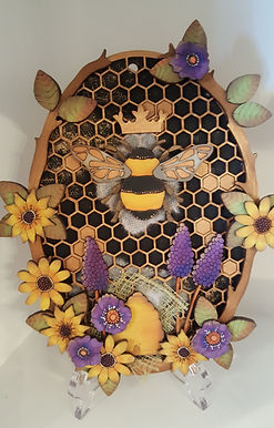 Oval Bee Plaque