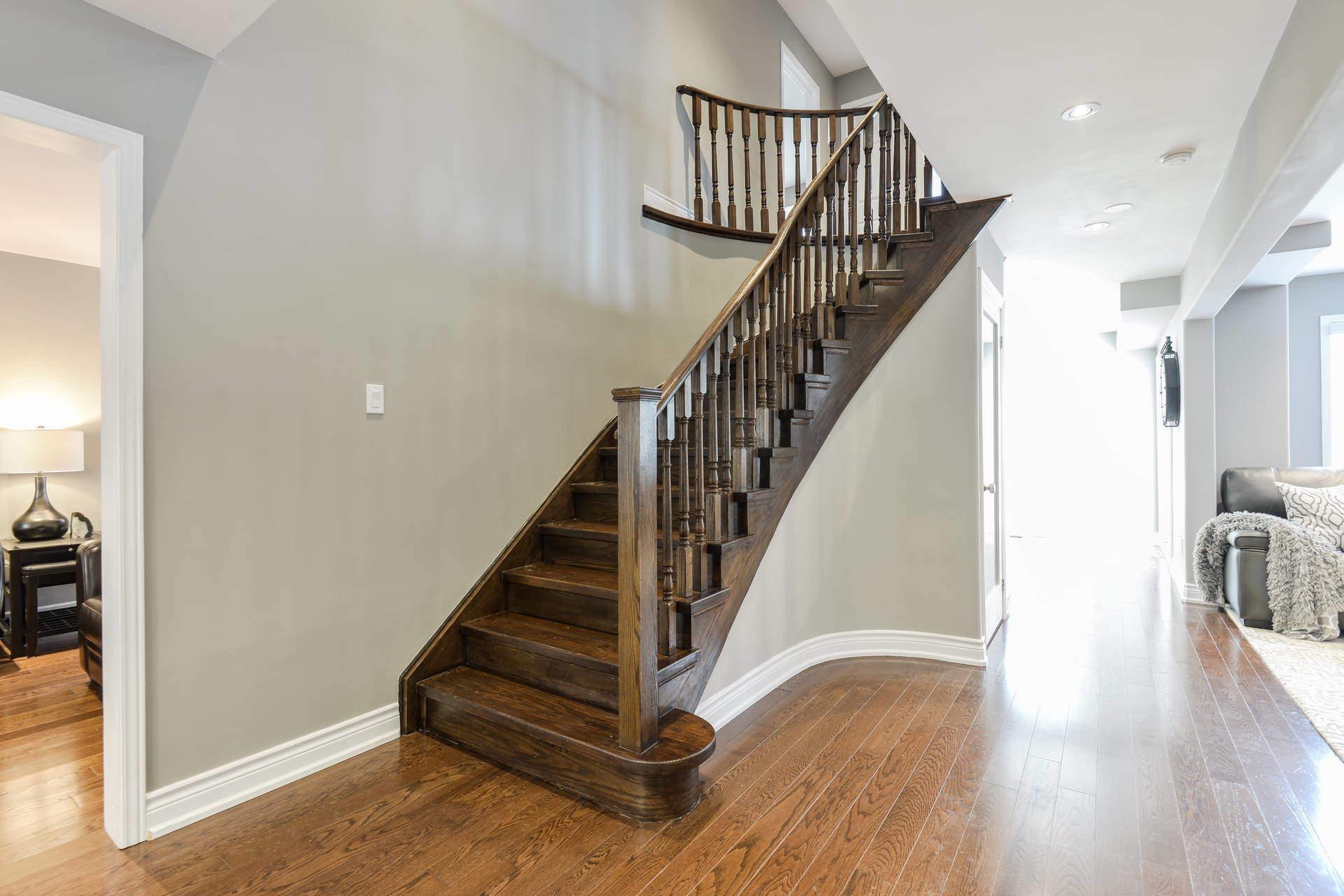 014-Stairs bottom