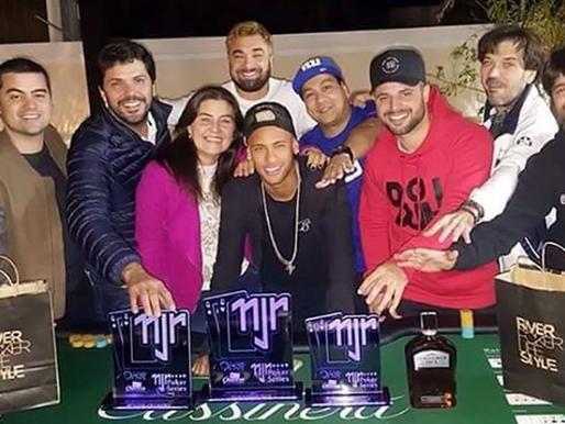 Campeão também no Poker!