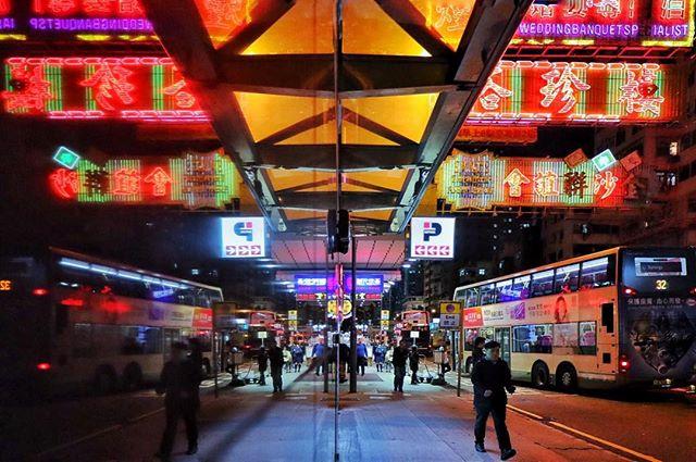 Mong Kok road_#hongkong #streetphotograp