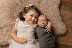 newborn foto irmãos