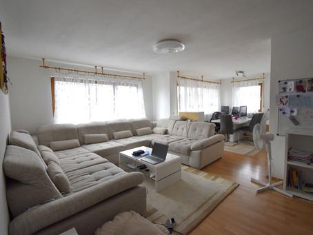 Schöne 3 ½ Zimmer-Obergeschoss-Wohnung mit großzügigem Balkon und Einzelgarage !!!