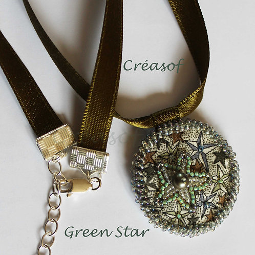 Collier Green Star