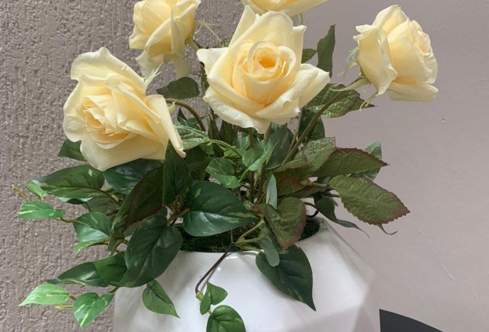 Arreglo Floral Rombos blanca