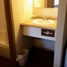 motel indoors 10.jpg