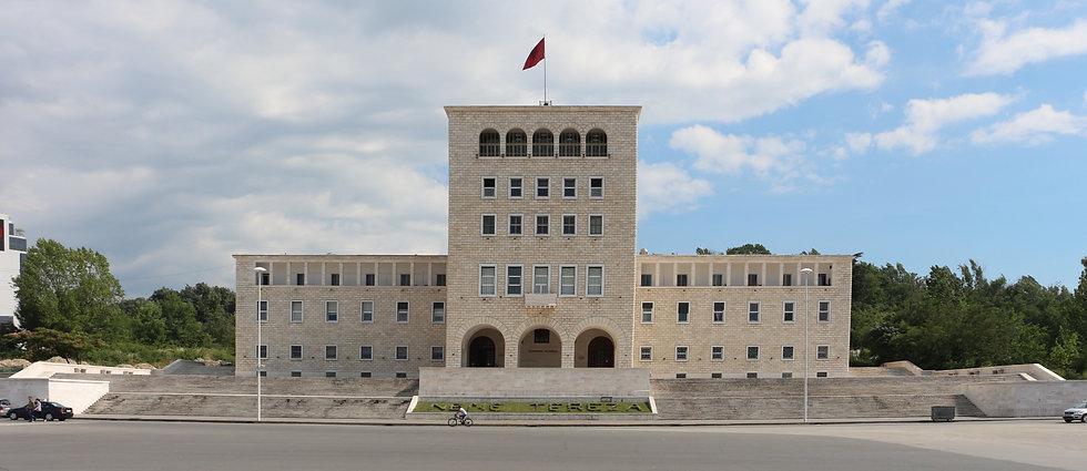 Tirana,_palazzo_dell'università_04.jpg