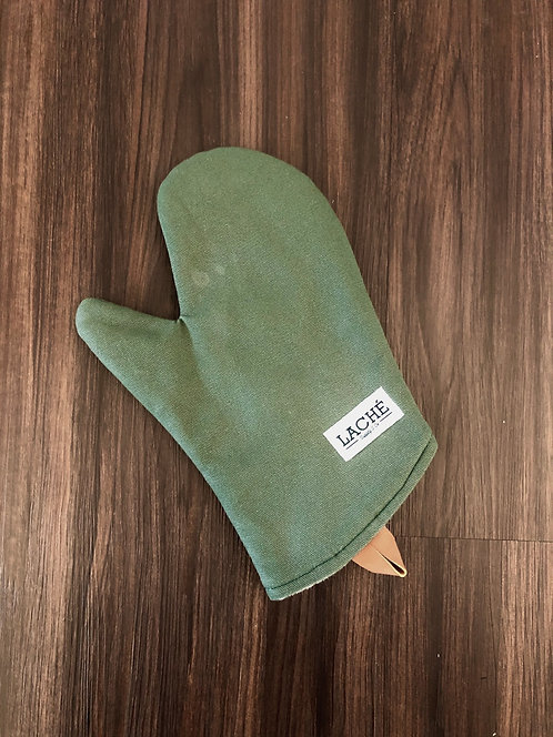 Laché Supply & Co. + Cast Iron Chef Chronicles Canvas Oven Mitt