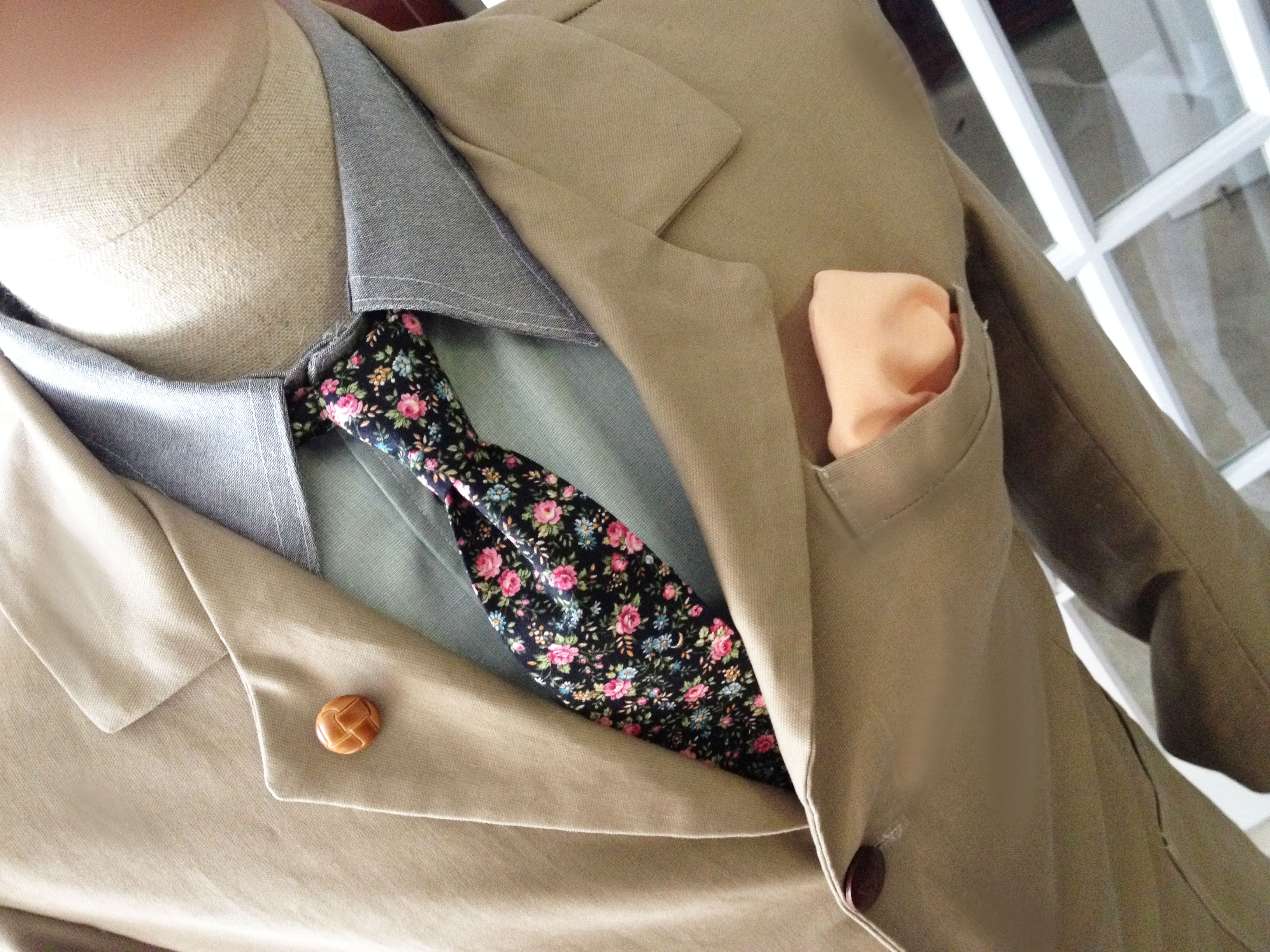Laché ties and pocket sqaures
