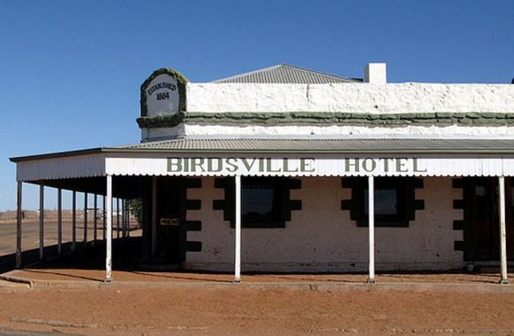 medium_bushpub_birdsville