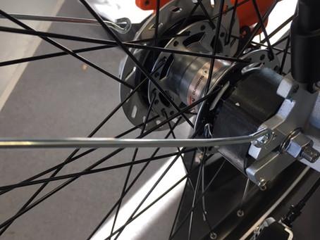 Comment démonter la roue arrière d'un vélo électrique classique ?