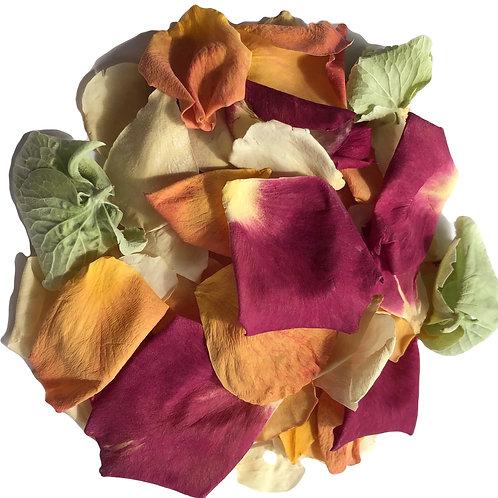 Summer Mix, a mix of rosepetals and hydrangea petals