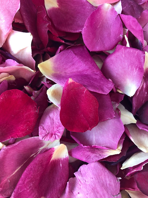 Berry Special, a mixture of freeze-dried rose petals