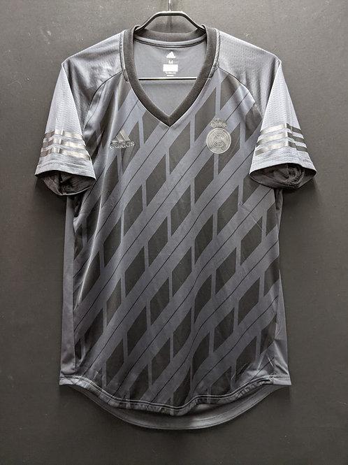 【2017/18】レアル・マドリード Tシャツ / Condition:A / Size:M