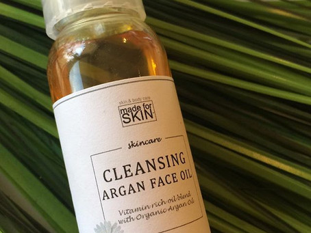 The Oil Cleansing Method (and why you should do it!)
