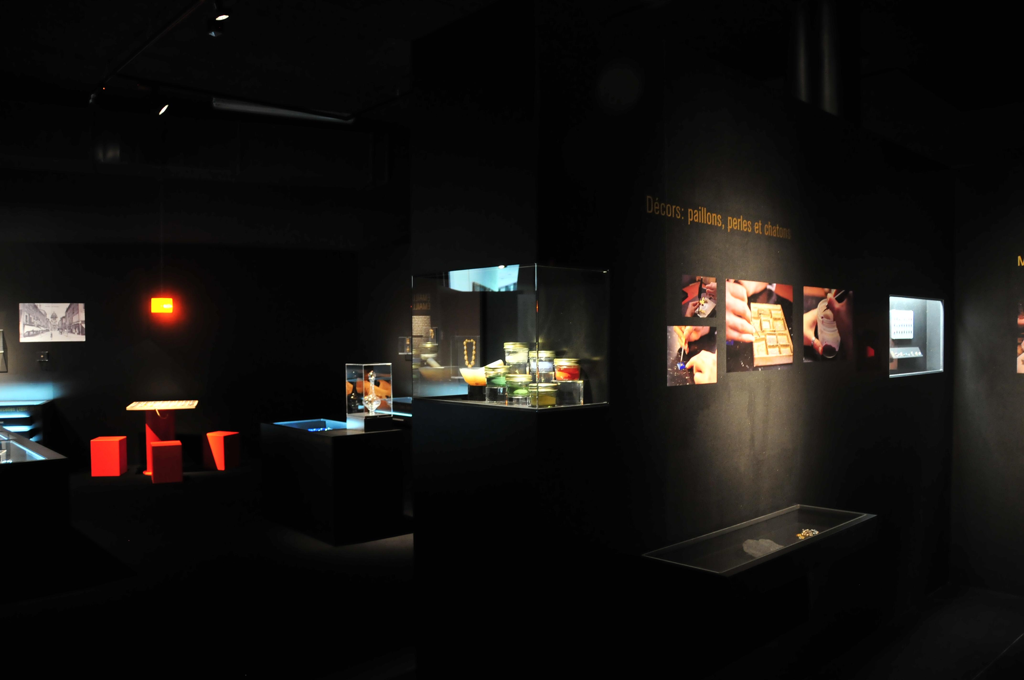 Musée_de_la_bresse_Domaine_des_Planons_Emaux_bressans_011