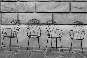 Giovana_Cadeiras_PBcrop.jpg