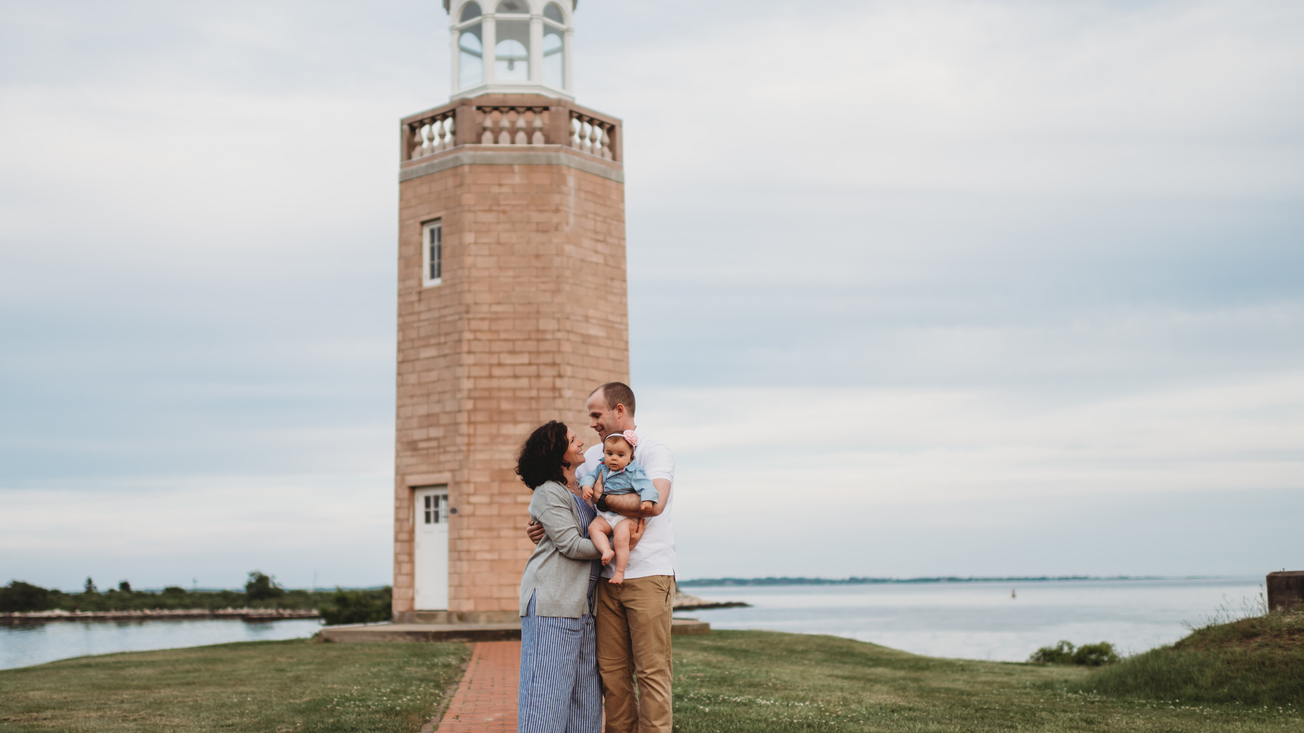 Family Session at Avery Point in CT