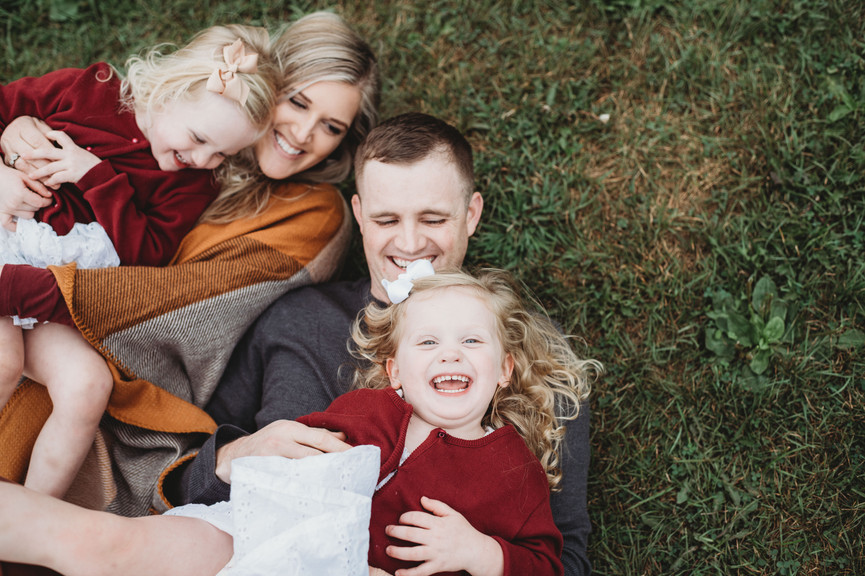 Natural and candid family photographer serving New London, New Haven and Hartford County Connecticut