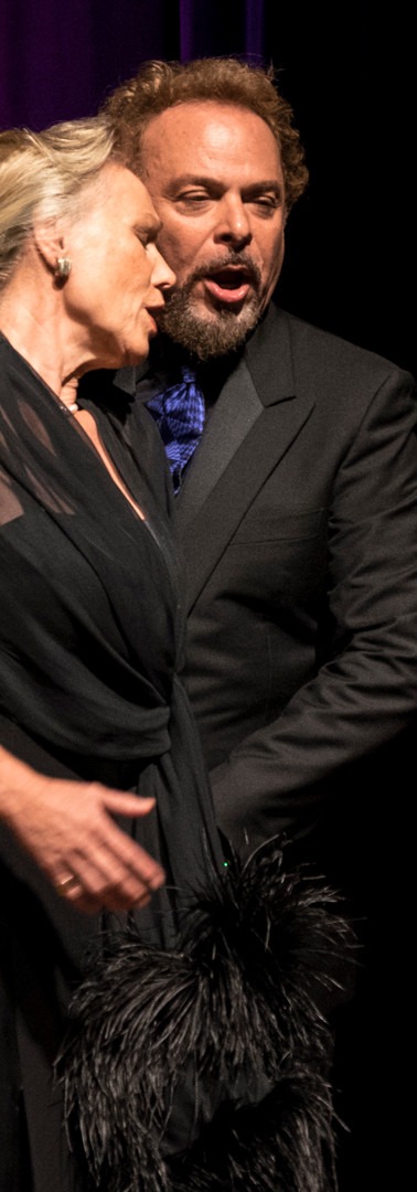 Claudi Nicole Bandera, Carmelo Corrado Caruso
