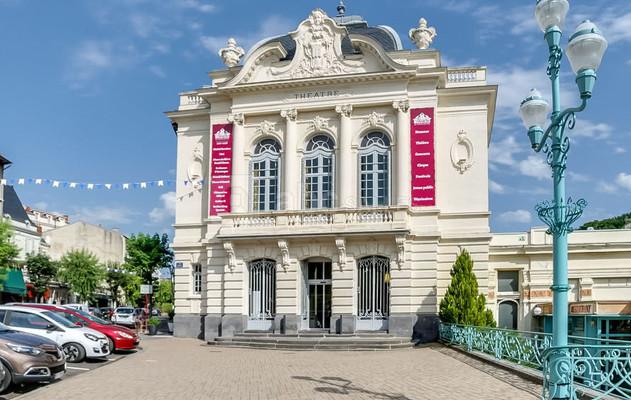au théâtre de Châtel-Guyon