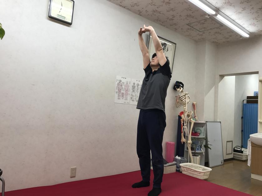 大阪富田林 こんごう体育整体院 肩こりに効果ばつぐん!肩回し運動