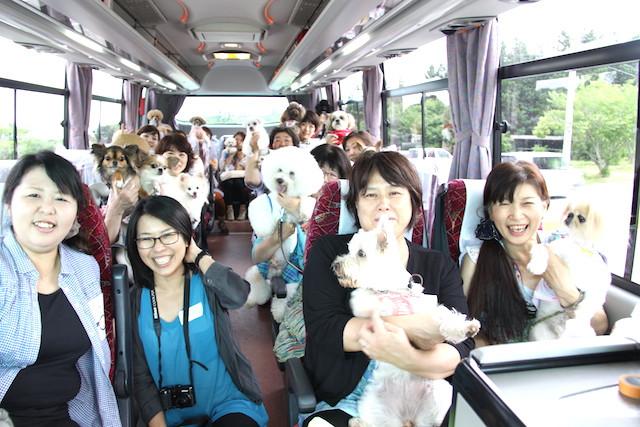 おもしろ旅企画ヒラタ屋公認わんわん倶楽部主催の日帰りツアー「愛犬とイチゴ狩り&バーベキュー」