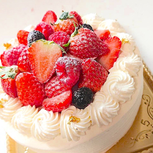 Nouvelle cinq ヌーベル・サンクの生クリーム イチゴ デコレーションケーキ