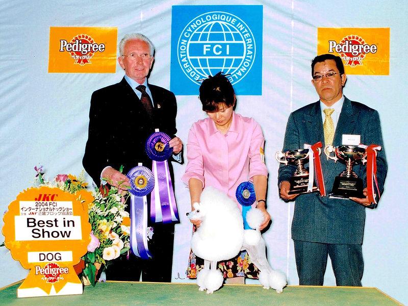 INT.JAP.CH.VOGUE LINE I'M SAMMY 2004 International Dog Show in SIGA