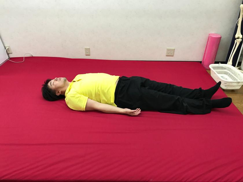 大阪富田林 こんごう体育整体院 腰から股関節にかけてのストレッチ