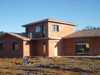 Faire construire une maison coûte plus cher pour une surface moins grande