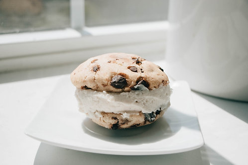 Double Stuffed Chocolate Chip Cookie Sandwiches with a Vanilla Cream Filling