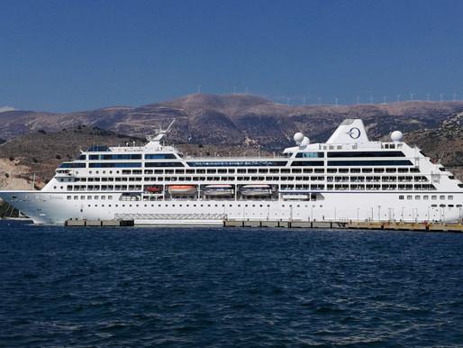 Άφιξη κρουαζιερόπλοιου με επιβάτες στο λιμάνι της Σούδας