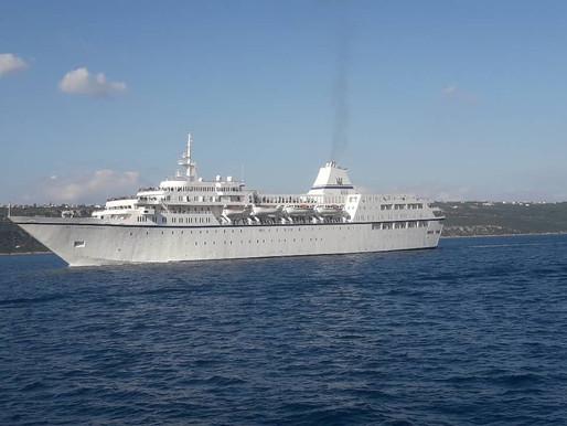 Με βλάβη στην κύρια μηχανή του έφθασε στο λιμάνι της Σούδας το κρουαζιερόπλοιο «Aegean Odyssey»