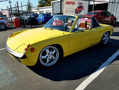 Customers 1974 Porsche 914 2.0L stopping