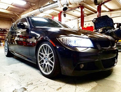 2010 BMW 335i in for battery registratio