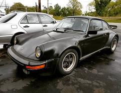 1976 Porsche 930 Turbo in for valve adju
