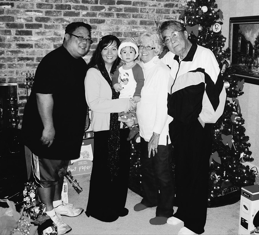 Our last Christmas with my Dad.